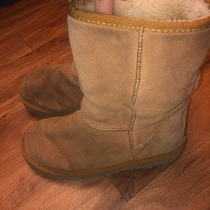 UGG boots size 7 classic short